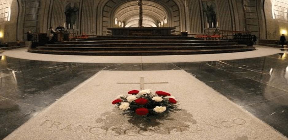 Tribunal abre camino para exhumar restos de Franco