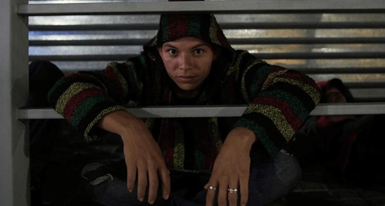 Parten 200 migrantes de El Salvador hacia EU