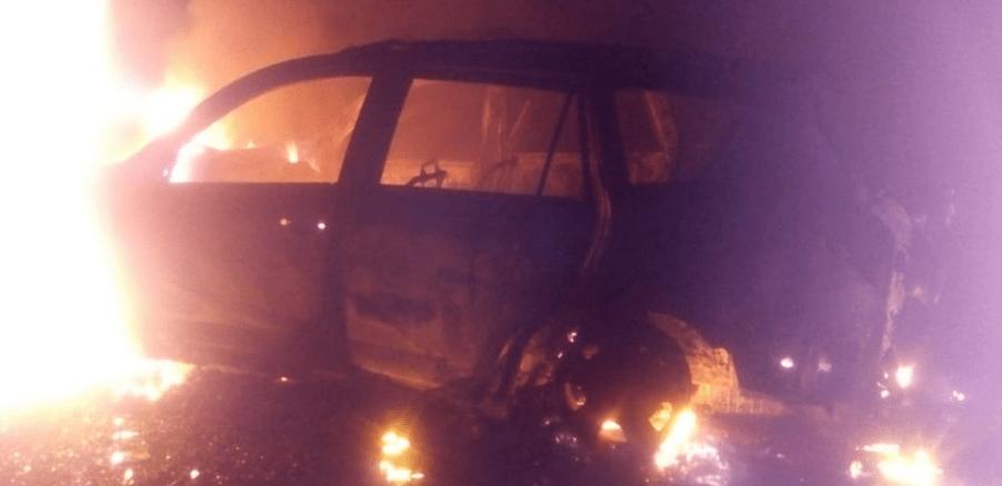Hallan quemadas camionetas de los sicarios de Minatitlán