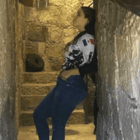 Emma Coronel posa en túnel y genera polémica en redes