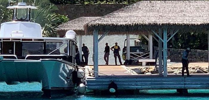 "FBI allana isla de ""pedófilos"" de Jeffrey Epstein"