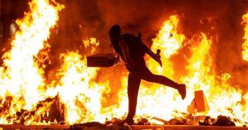 Infiltrados arman caos en Barcelona