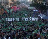 Argentinas toman las calles con un mensaje: #AbortoLegalYa