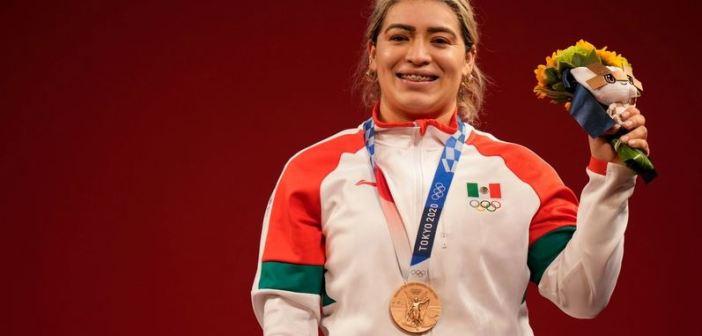 Aremi Fuentes gana medalla de bronce en halterofilia