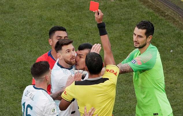 रातो कार्ड पाएपछि मेस्सीको आरोप : कोपा ब्राजिलले जितोस् भनेर मिलेमतो छ