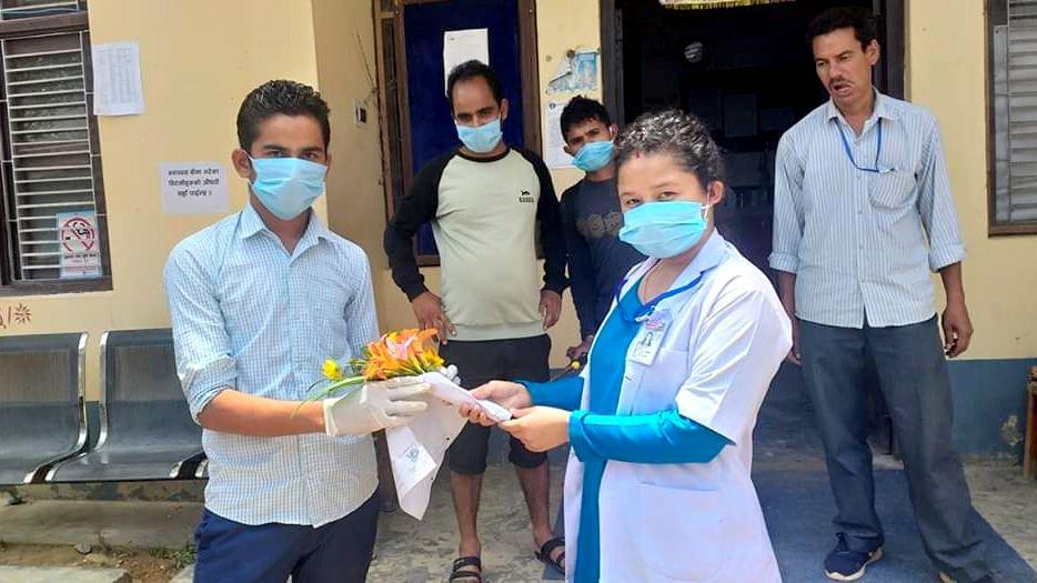 बैतडीका संक्रमित डिस्चार्ज, अस्पतालबाट सिधै थुनामा