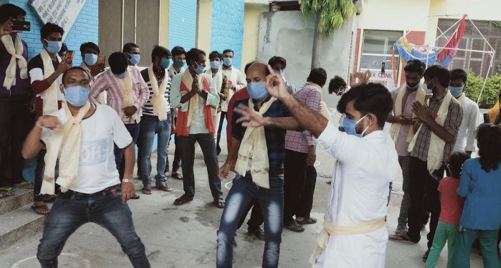 भैरहवामा २५ जना कोरोना संक्रमित डिस्चार्जः घर फर्किन पाउँदा खुसीले नाचगान