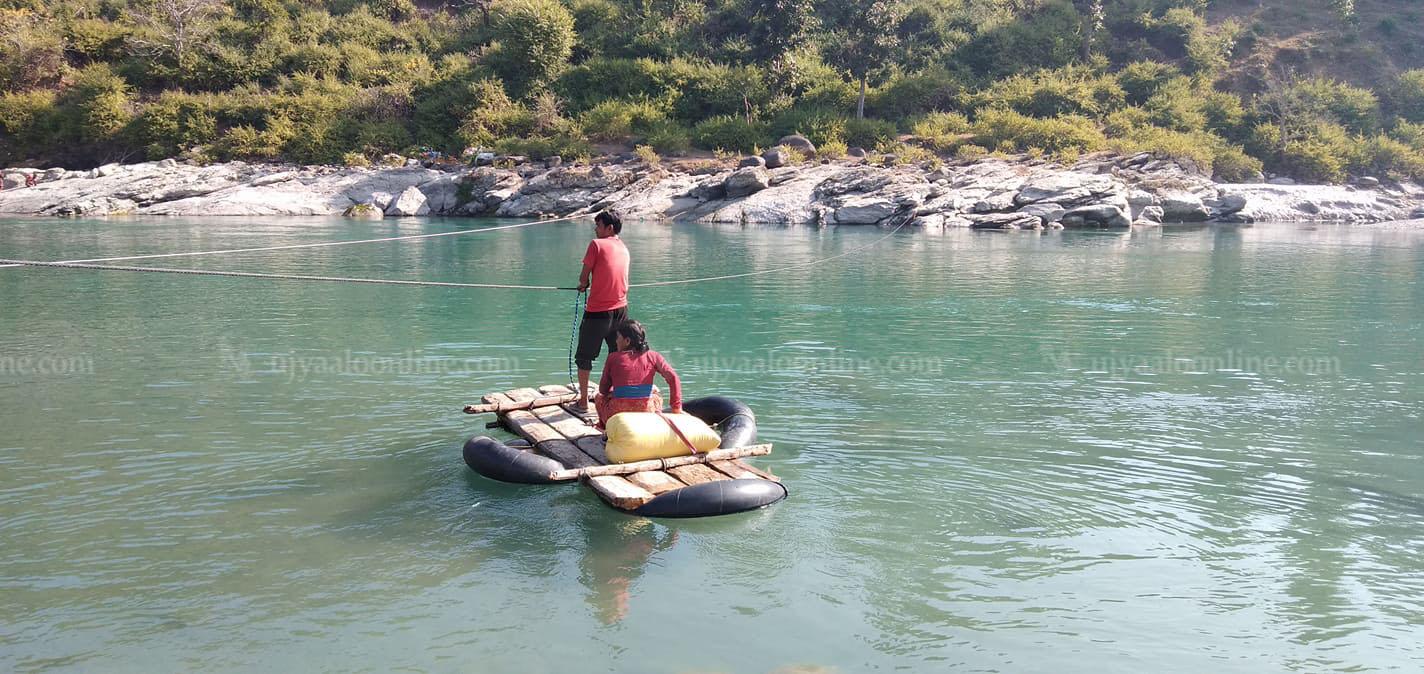 दुई स्वास्थ्यकर्मी सेती नदीमा बेपत्ता