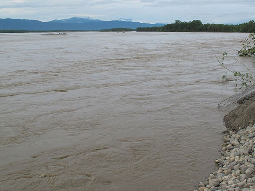 रक्सी पिएर डेढ वर्षको छोरोसहित आमा नदीमा हाम फालिन्