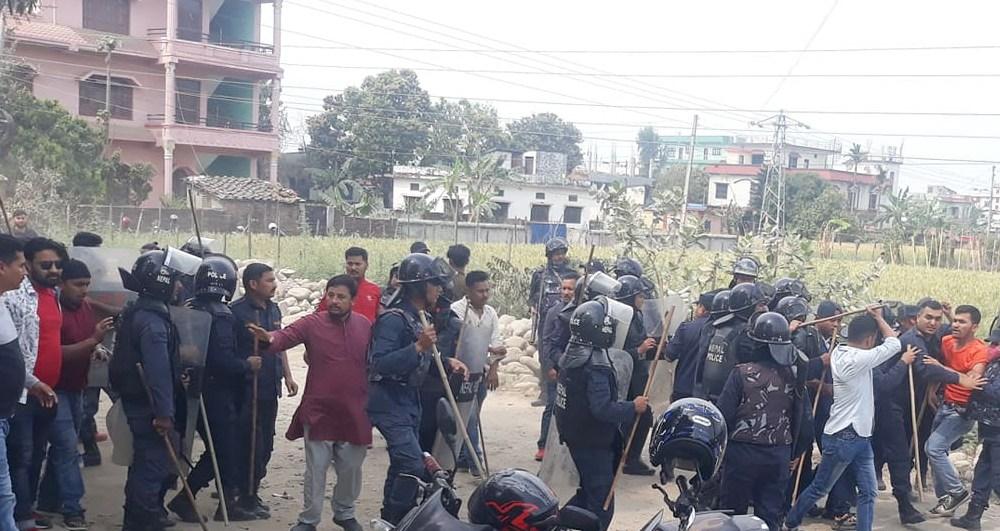 धनगढीमा एमालेका रावल र थापा पक्षीय कार्यकर्ताबीच 'झडप'