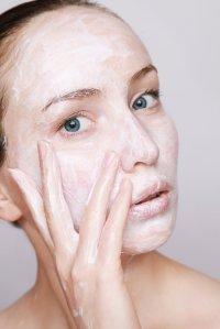 Ragam Manfaat Skincare untuk Kulit Sehat Kini dan Nanti