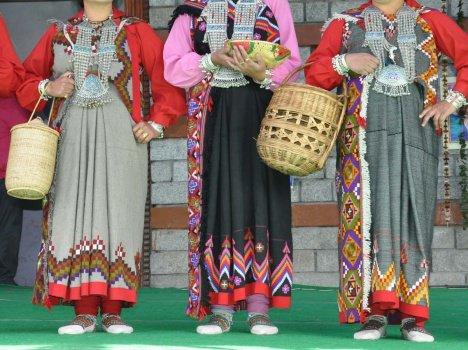 Kullu Pattu, Kullu Pattu Shawl, Himachal Pattu, Very Fine Embroidered Shawl