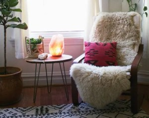 A Guide to Place Himalayan Salt Lamps in family room