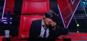 Why did Raju Lama cry on the set of Voice of Nepal?