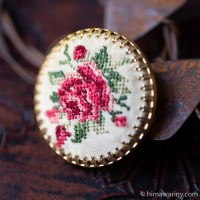 ハンドメイド刺繍ブローチ〜ピンク&レッド・ローズ