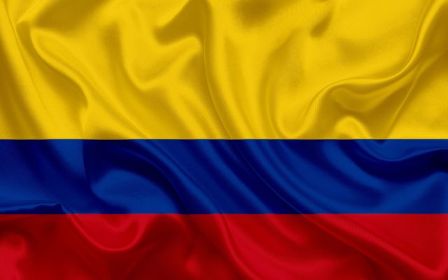 flag-of-colombia-silk-texture-colombia-flag-national-symbol-bandera-himnode.com