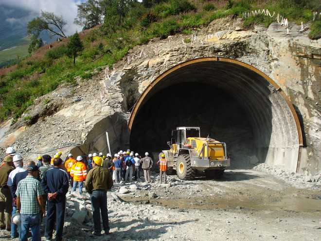 rohtang-tunnel-work-manali-kullu