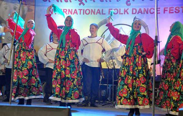 kullu-dussehra-2016-russian-folk-dance-festival