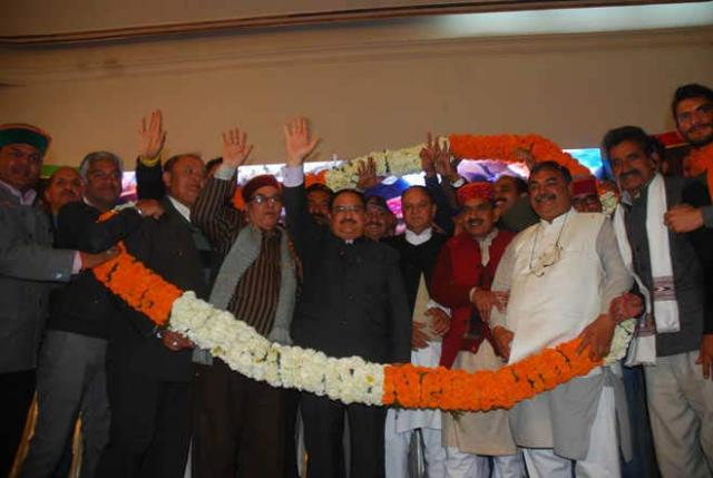 Nadda-being-welcomed-by-BJP-supporters-in-Shimla