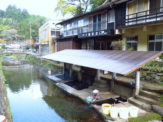 日本一恥ずかしい露天風呂に浸かってきたばい!/満願寺温泉・川湯