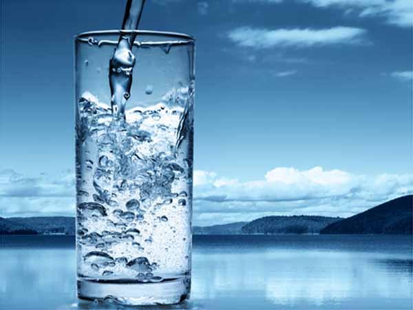 खूब सारा पानी पीएं