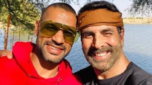 Akshay Kumar से मिले Shikhar Dhawan तो चहक उठी जनता, कहा- गब्बर की हुई गब्बर से मुलाकात