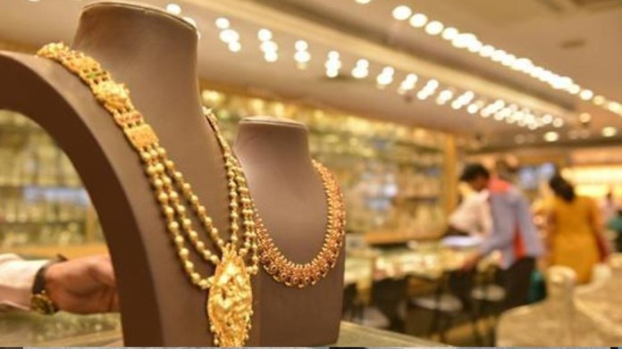 Gold Price Today, 16 April 2021: Today, 9 grams will be saved on 10 grams of gold, silver also becomes cheaper