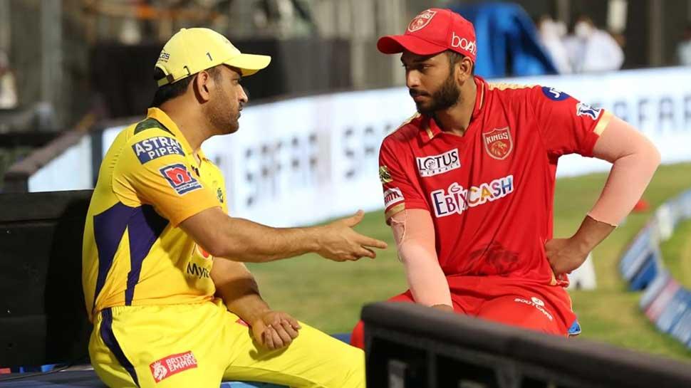 IPL 2021: CSK Captain MS Dhoni give Tips to PBKS Cricketer Shahrukh Khan after Match, Photo Viral | IPL 2021 CSK vs PBKS: मैच के बाद MS Dhoni ने Shahrukh Khan को