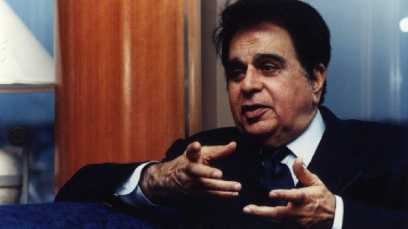 bollywood mourns on demise of dilip kumar, ajay devgn akshay kumar and many more actors reaction |  Dilip Kumar Death: Bollywood is saddened by the loss of legend Dilip Kumar, from Amitabh Bachchan to Akshay Kumar expressed grief