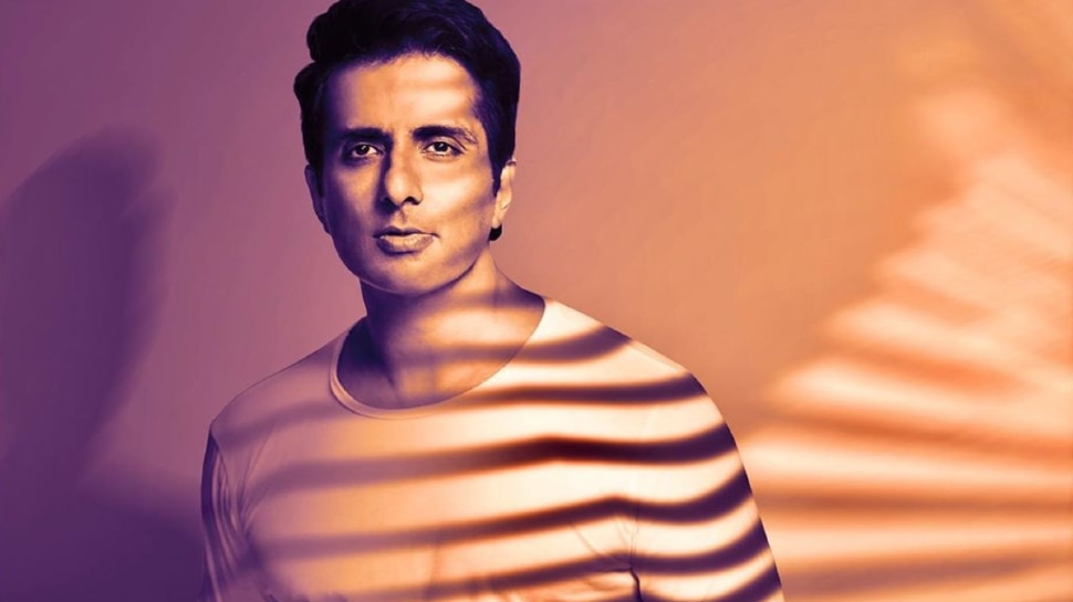 Sonu Sood Shared Video On Instagram of Asking Discount On Buffalo Milk    Sonu Sood started asking for a discount from the milkman, in return did the work of carrying buffalo fodder