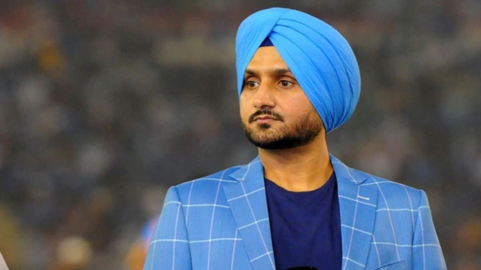 harbhajan singh believes that Yuzvendra Chahal will get a chance in t20 world cup as varun chakravarthy is injured    Harbhajan claims, still this star player can get T20 World Cup ticket