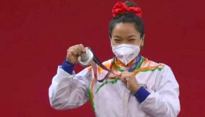 Mirabai Chanu wins Silver First Medal in Tokyo Olympics for India in Weightlifting | Tokyo Olympics में खुला भारत का खाता, Weightlifting में Mirabai Chanu ने जीता Silver | Hindi News