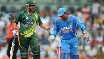 younis ms dhoni crictoday