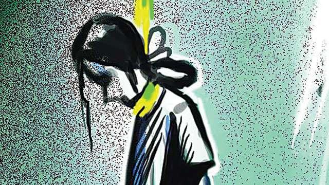 मुंबई: आत्मा बुलाने के चक्कर में 15 साल की लड़की ने लगाई फांसी