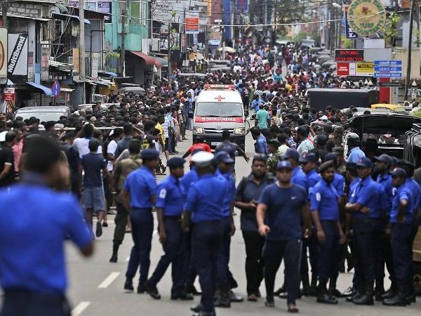 श्रीलंका के कोलंबो में सीरियल ब्लास्ट 138 लोगों की मौत, 400 से अधिक घायल