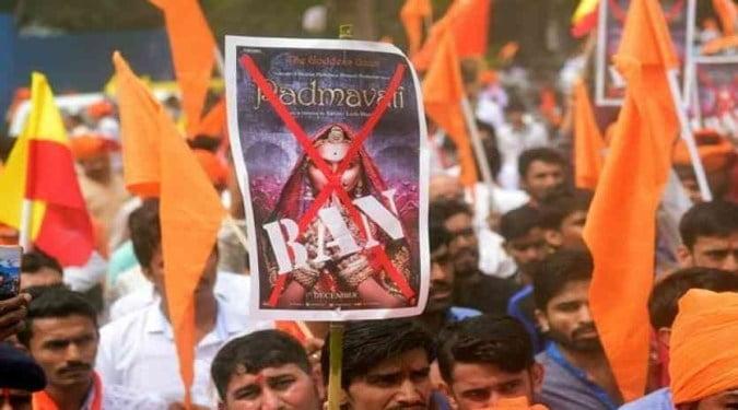 पद्मावत फिल्म के विरोधी बलात्कार पर चुप क्यों रहते हैं?