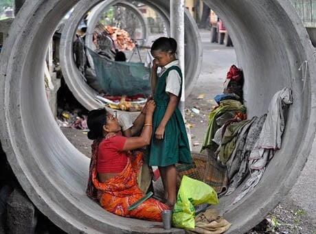 बेघर लोग