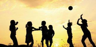 बच्चों के लिए रचने होंगें नये खेल और कहानी, लैंगिक समानता के वास्ते