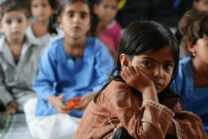 वो लड़कियाँ जिन्हें आज भी शिक्षा के दीपक से अपनी ज़िंदगी की दीपावली मनाने का इंतज़ार है