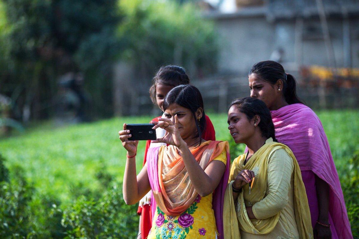 सोशल मीडिया पर औरतों की मौजूदगी और उनकी अभिव्यक्ति