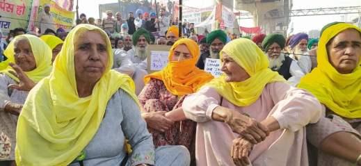 ग्राउंड रिपोर्ट: जानिए क्या कहना है प्रदर्शन में शामिल महिला किसानों का