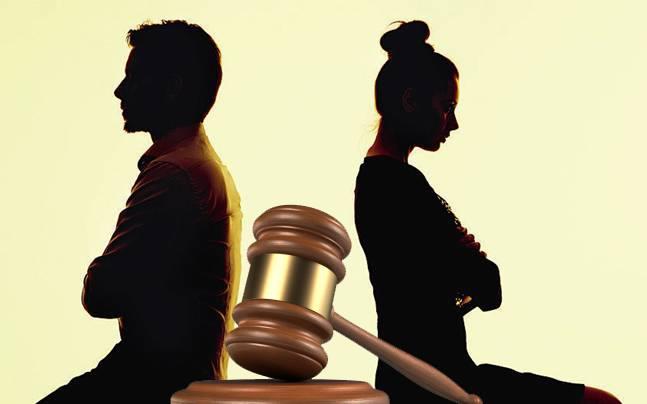 क्या राजनैतिक विचारधारा अलग होने से शादियां टूट सकती हैं