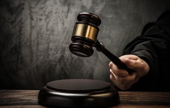 बात भारतीय न्याय व्यवस्था में मौजूद रूढ़िवादिता और पितृसत्ता की
