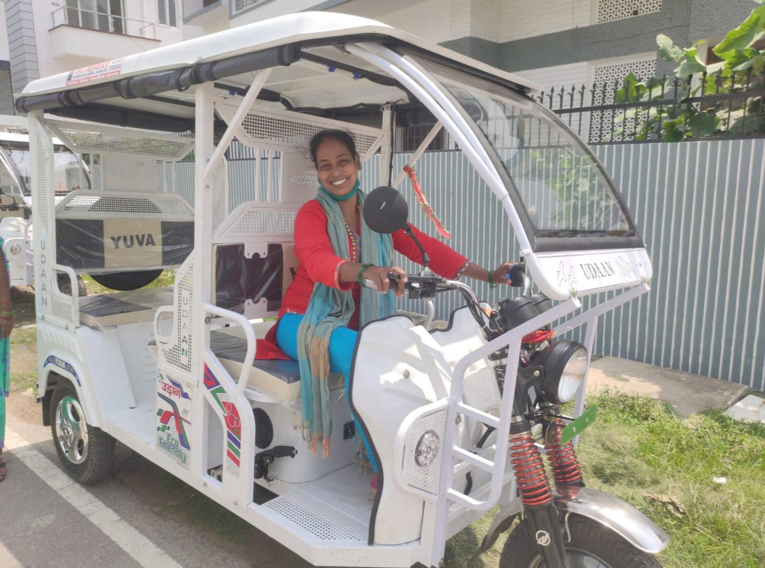 इन महिला ई-रिक्शा ड्राइवरों ने चुनी अपनी आर्थिक आज़ादी