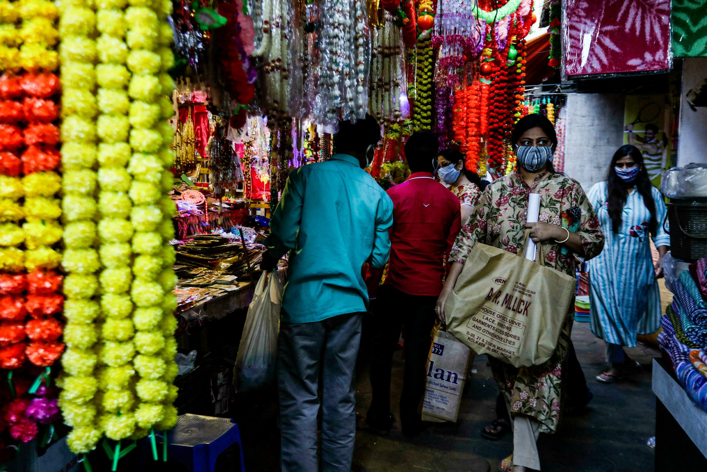 women-workload-during-festival-hindi