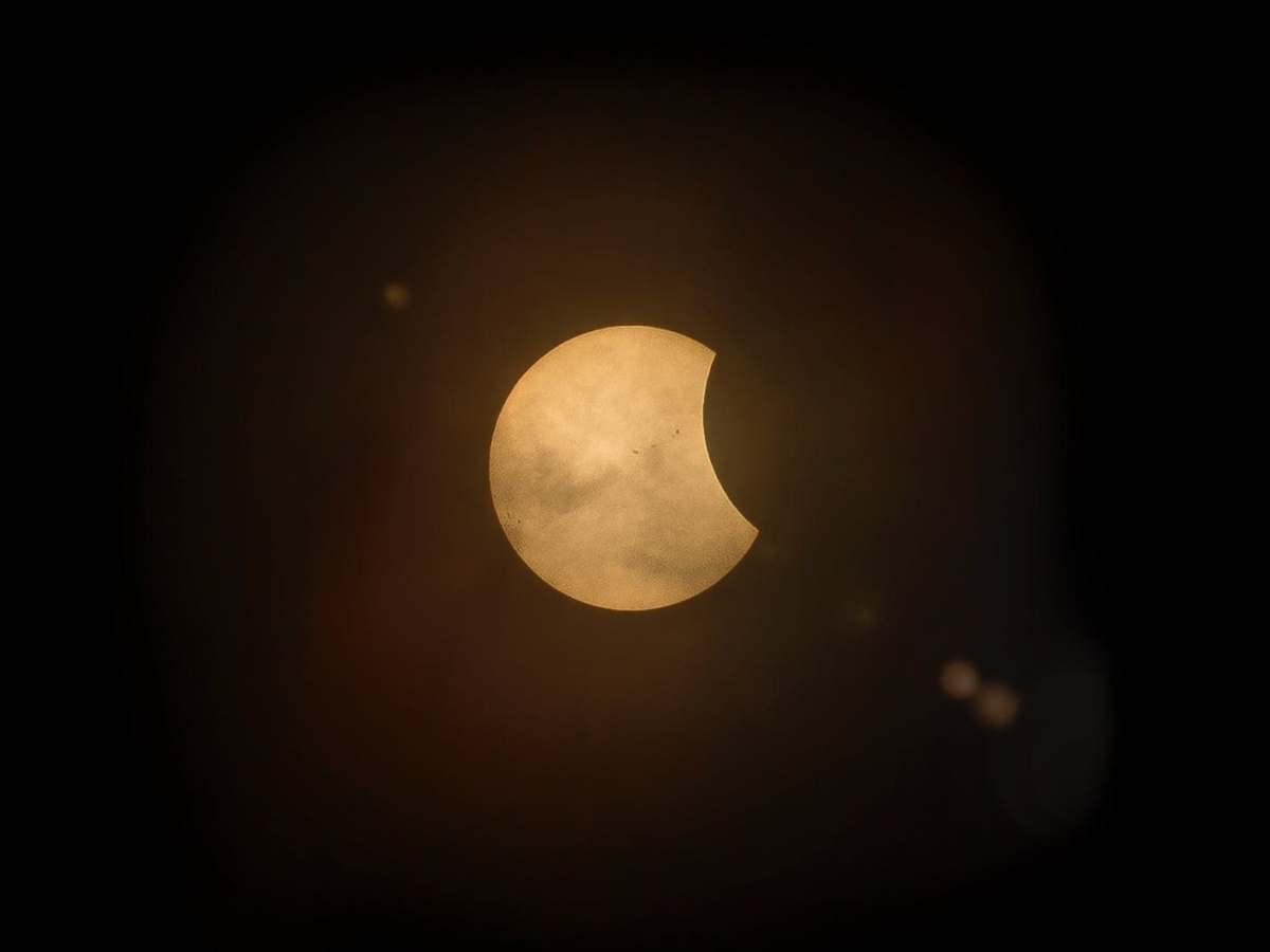 कल प्रातः सुबह लगेगा सूर्य ग्रहण।
