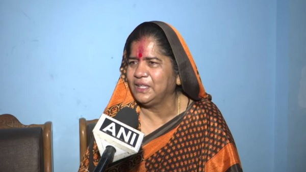 Election Commission bars BJP leader Imarti Devi from holding, anywhere in MP for one day on Nov 1