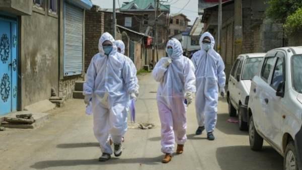 आंध्र प्रदेश में 121 कंटेनमेंट जोन हैं