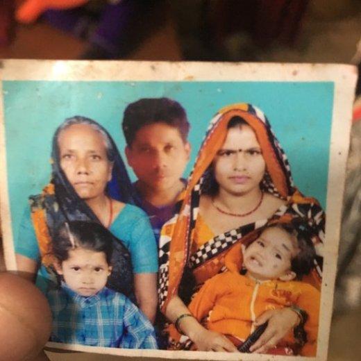 बिंदू का परिवार