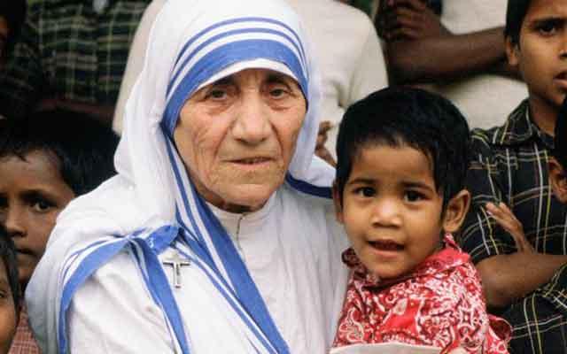 BRAND_BIO_Bio-Shorts_Mother-Teresa-Mini-Biography